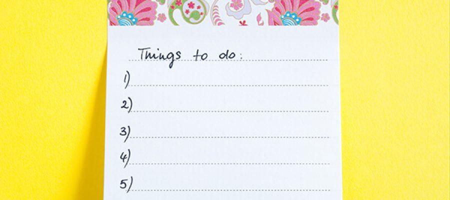 פתקיות עם כותרת דברים לעשות