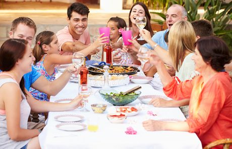 איך להפוך את ארוחת חג לחוויה לקטנים ולגדולים