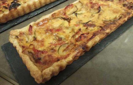טארט פלפלים, עגבניות וקישואים (tarte a la piperade)