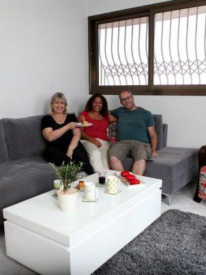 עיצוב פרקטי לסלון לזוג צעיר ראשון לציון