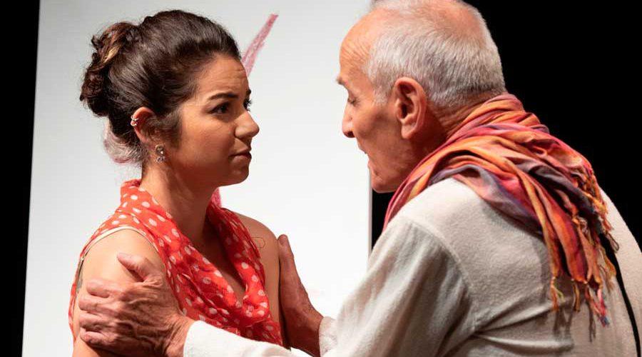 גבר ואישה במחזה סבאבא