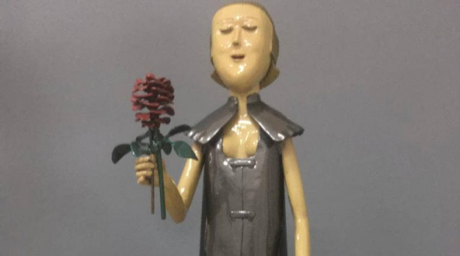 פסלון בתערוכה