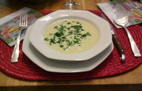 מרק כרובית עם קרם פרש