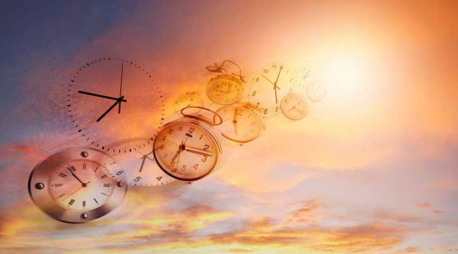 אילוסטרציה שעונים מעופפים בשמיים